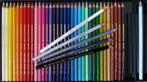 色鉛筆-無彩色-1